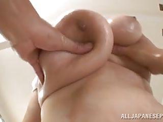 mature slut has huge milk cans