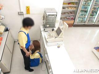 mini mart employee gets sucked off