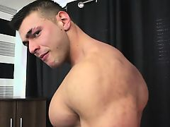 Straight Muscle Trainer Cums In Gym Dungeon