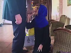 Glamorous Arab Maid Apolonia Blows Hung Boss