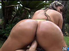 Sandra has a huge Colombian Ass