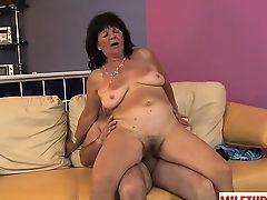 Sticky mature sex with cumshot