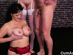 Wicked peach gets cum load on her face eating all the sperm