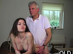 Old and Young Porn - Babysitter wet crack dug by old gentleman
