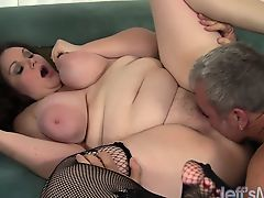 Sexy plumper Joslyn Underwood fucked and cum in face hole