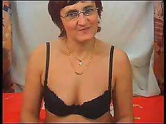 Dirty granny in fishnet stockings wants you to scrutinize her twat
