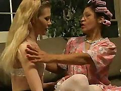Mature lady shows younger blonde lady what pussy is all about
